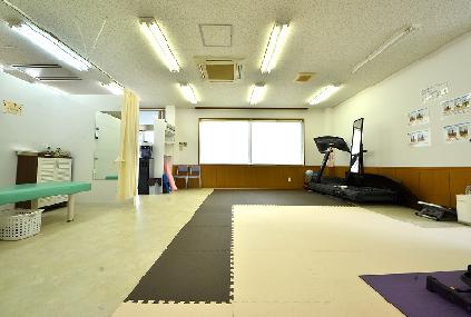 もちの木整骨院のトレーニングルームの写真